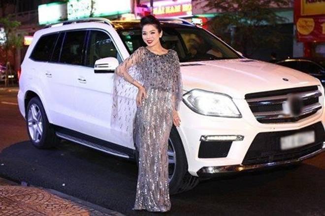 Choáng với biệt thự triệu đô, loạt siêu xe tiền tỷ của nữ hoàng Bolero Lệ Quyên-4