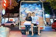 Vừa xong nhiệm vụ tại V.League, Bùi Tiến Dũng 'bắt tay' cùng vợ chuẩn bị hàng trăm suất quà gửi về quê nhà cứu trợ người dân vùng lũ