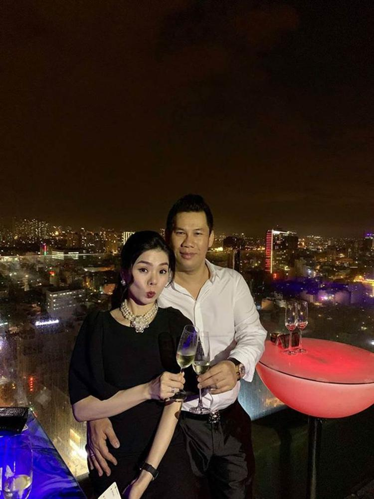 """Trước khi ly hôn, Lệ Quyên và chồng cũ đại gia phòng trà giàu nhất Sài Gòn"""" từng đối xử với nhau thế nào?-6"""