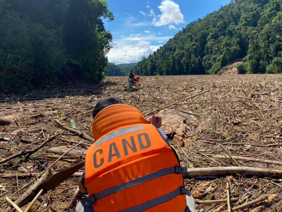 14 người mất tích ở Trà Leng: Đào xới hết khu sạt lở nhưng không tìm thấy ai-3