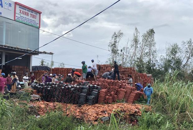 Quảng Ngãi: Giá ngói, tôn tăng bất thường sau bão số 9-1