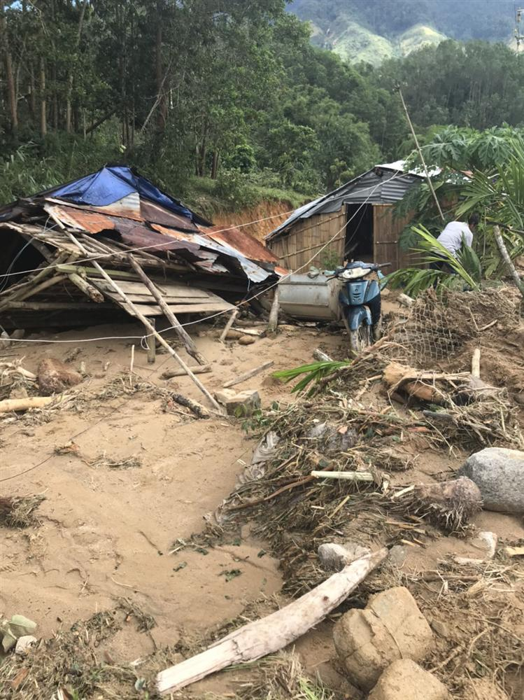 Quảng Ngãi: Lũ quét kinh hoàng cuốn trôi 6 nhà dân, khiến một ngôi làng có nguy cơ bị xóa sổ-8