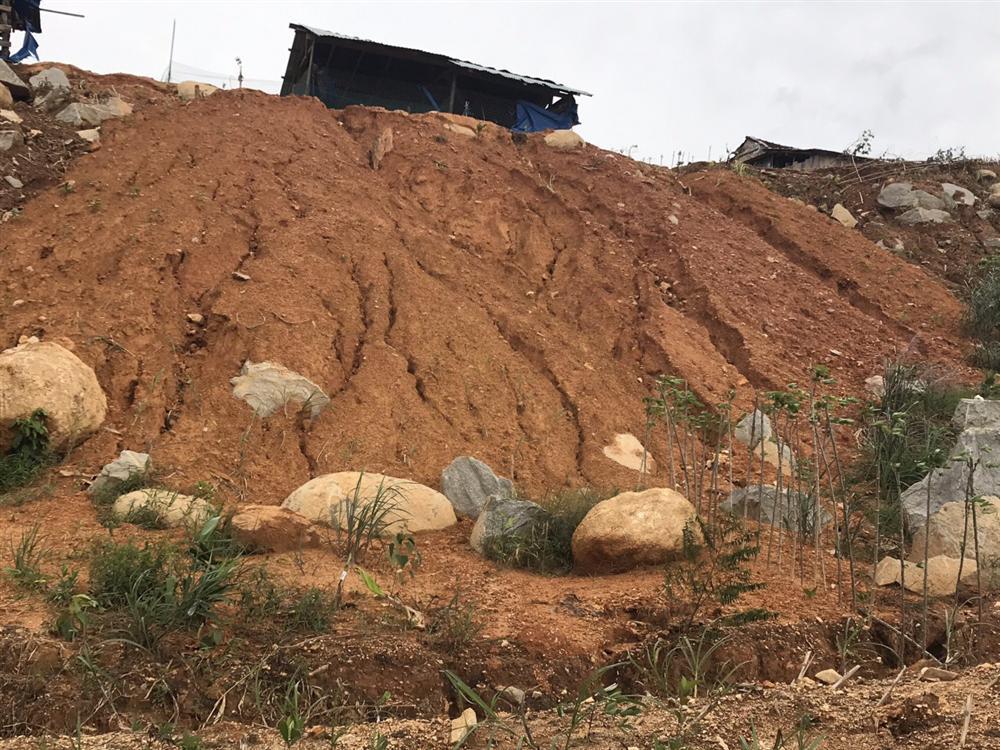 Quảng Ngãi: Lũ quét kinh hoàng cuốn trôi 6 nhà dân, khiến một ngôi làng có nguy cơ bị xóa sổ-9