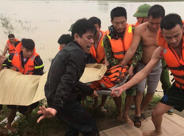 Vớt được 5 thi thể trong nước lũ ở Nghệ An-2