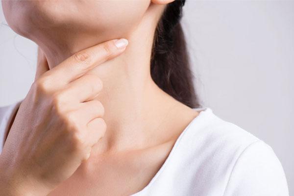 Khi bệnh tuyến giáp bắt đầu trở thành ung thư, trên cơ thể sẽ có 3 dấu hiệu