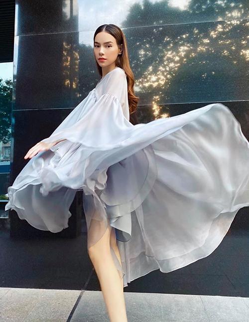 Hồ Ngọc Hà 2 lần bầu bí: Nhan sắc đỉnh cao chỉ có gu thời trang điệu đà thấy rõ-12