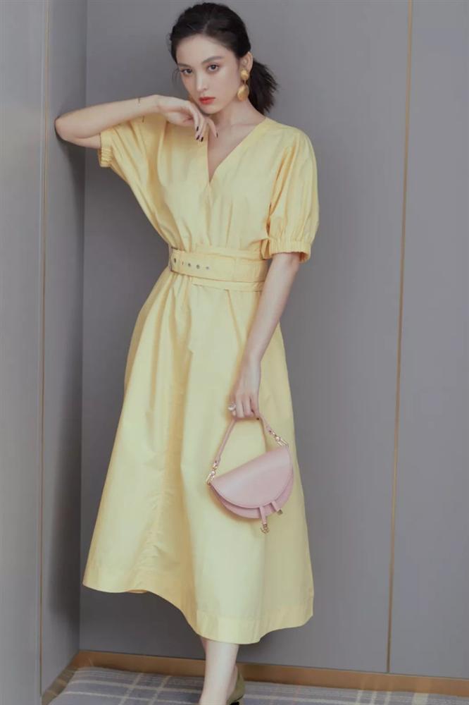 4 mẫu váy được yêu thích nhất dịp Thu Đông: Che dáng cực khéo mà vẫn max sành điệu-1
