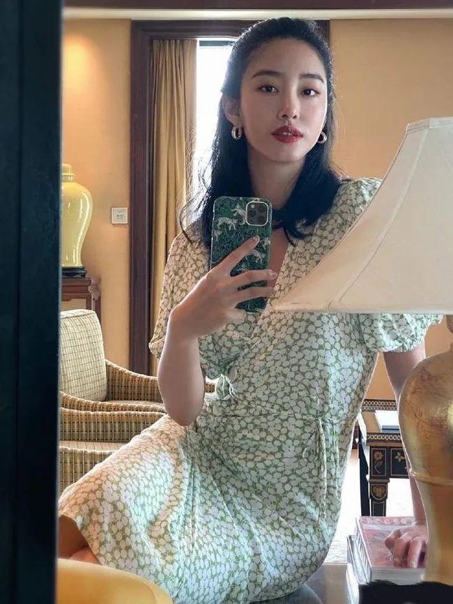 4 mẫu váy được yêu thích nhất dịp Thu Đông: Che dáng cực khéo mà vẫn max sành điệu-5