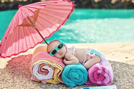 Trẻ sơ sinh rất dễ thiếu Vitamin D, mẹ cần nắm được dấu hiệu thiếu hụt và cách bổ sung Vitamin D cho con luôn dẻo dai, khỏe mạnh