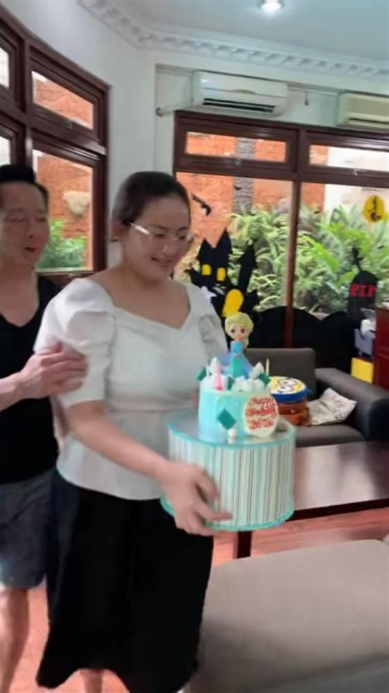 Phan Như Thảo tiếp tục bị chê vừa béo vừa già, như hai bà cháu khi ngồi cạnh con gái và đây là lời đáp trả của siêu mẫu một thời-2