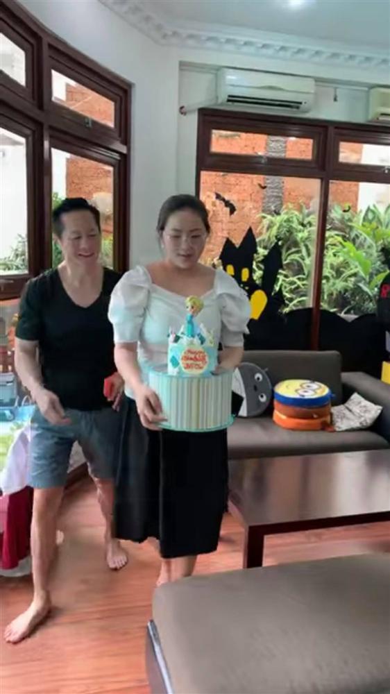 Phan Như Thảo tiếp tục bị chê vừa béo vừa già, như hai bà cháu khi ngồi cạnh con gái và đây là lời đáp trả của siêu mẫu một thời-3
