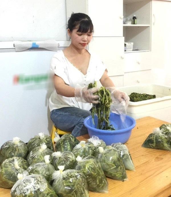 Bán món ăn nhà nghèo giữa Hà Nội, không ngờ kiếm được chục triệu mỗi tháng-2