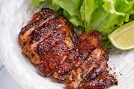 Cách ướp gà nướng muối ớt ngon giòn, có thể làm tại nhà với các bước đơn giản