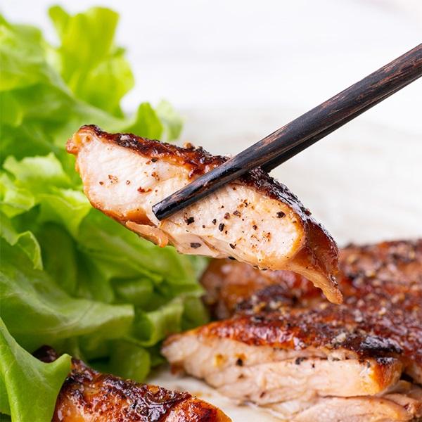 Cách ướp gà nướng muối ớt ngon giòn, có thể làm tại nhà với các bước đơn giản-3