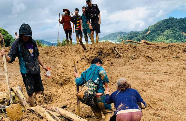 Đau xót khi tìm thấy 6 thi thể trẻ nhỏ trong vụ sạt lở núi kinh hoàng ở Phước Sơn-1