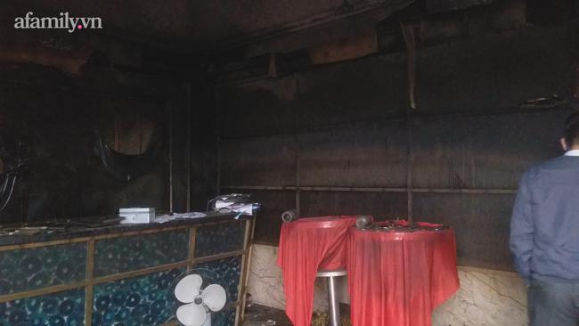 Cận cảnh bên trong quán bar X5 ở Vĩnh Phúc sau vụ hỏa hoạn khiến 3 thiếu nữ tử vong: Phải đục tường mới đưa được thi thể ra ngoài-4