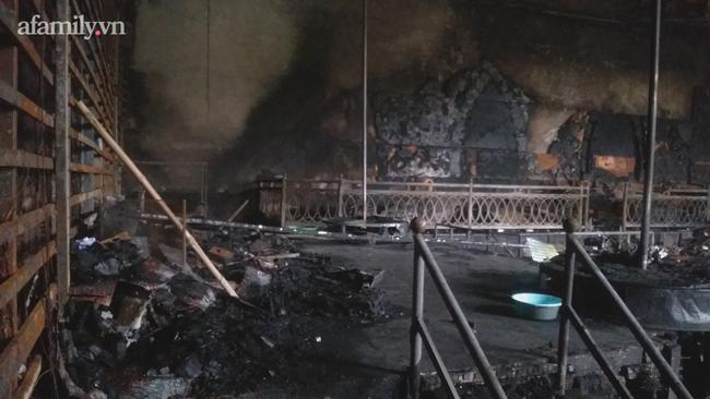 Cận cảnh bên trong quán bar X5 ở Vĩnh Phúc sau vụ hỏa hoạn khiến 3 thiếu nữ tử vong: Phải đục tường mới đưa được thi thể ra ngoài-5