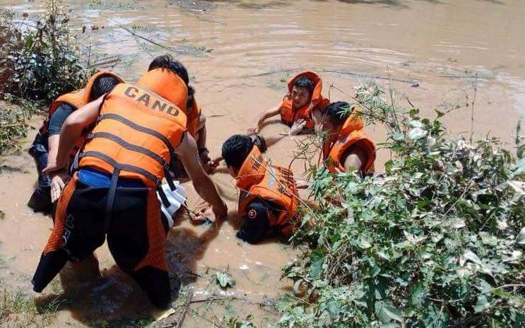 Hà Tĩnh: Bé trai 19 tháng tuổi tử vong thương tâm tại vũng nước lũ cạnh nhà-1
