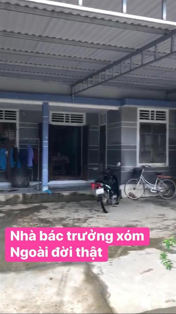 Thủy Tiên đăng ảnh nhà bác trưởng xóm ngoài đời thật tại Hải Lăng khiến dân mạng phản ứng, nhiều người liên tục cập nhật hình ảnh và clip toàn cảnh về gia cảnh của bác-4