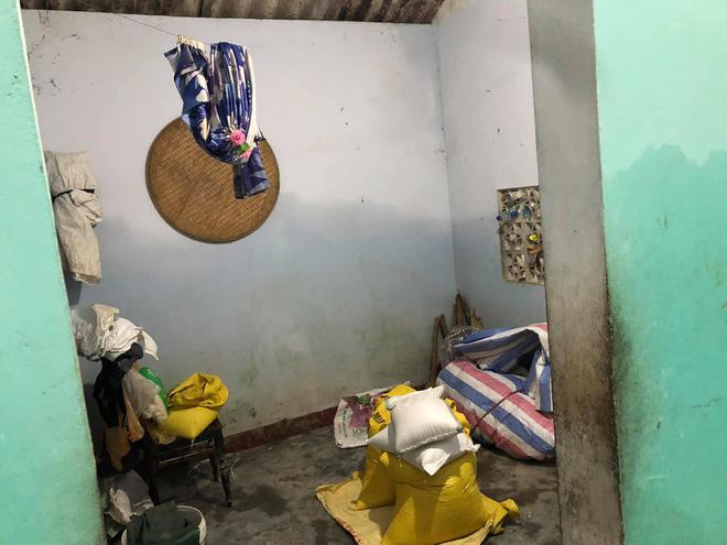 Thủy Tiên đăng ảnh nhà bác trưởng xóm ngoài đời thật tại Hải Lăng khiến dân mạng phản ứng, nhiều người liên tục cập nhật hình ảnh và clip toàn cảnh về gia cảnh của bác-9
