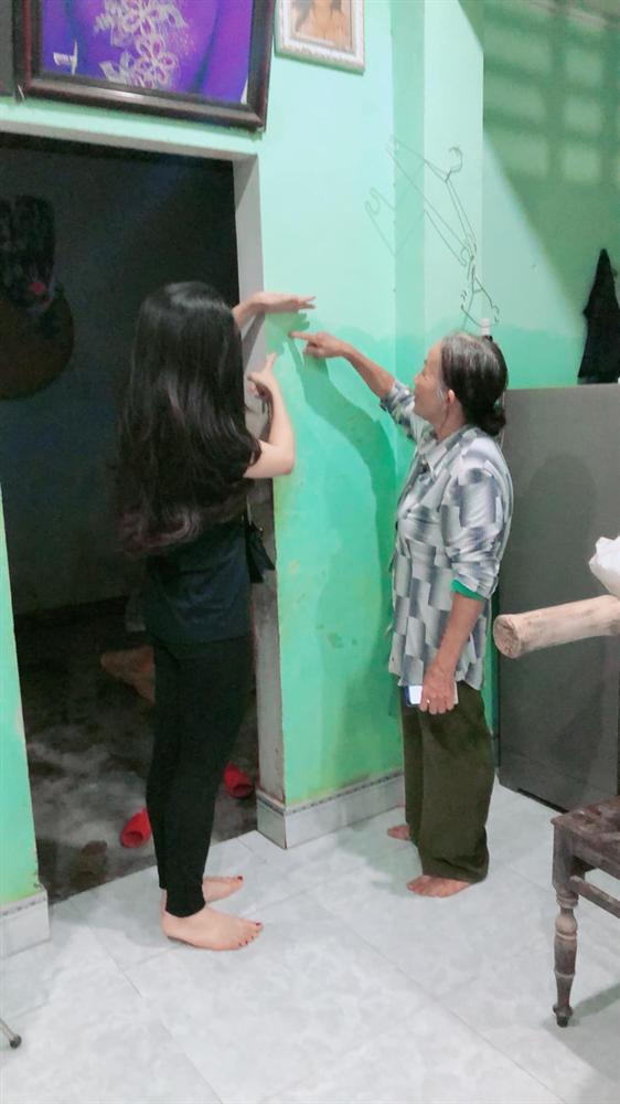 Thủy Tiên đăng ảnh nhà bác trưởng xóm ngoài đời thật tại Hải Lăng khiến dân mạng phản ứng, nhiều người liên tục cập nhật hình ảnh và clip toàn cảnh về gia cảnh của bác-11