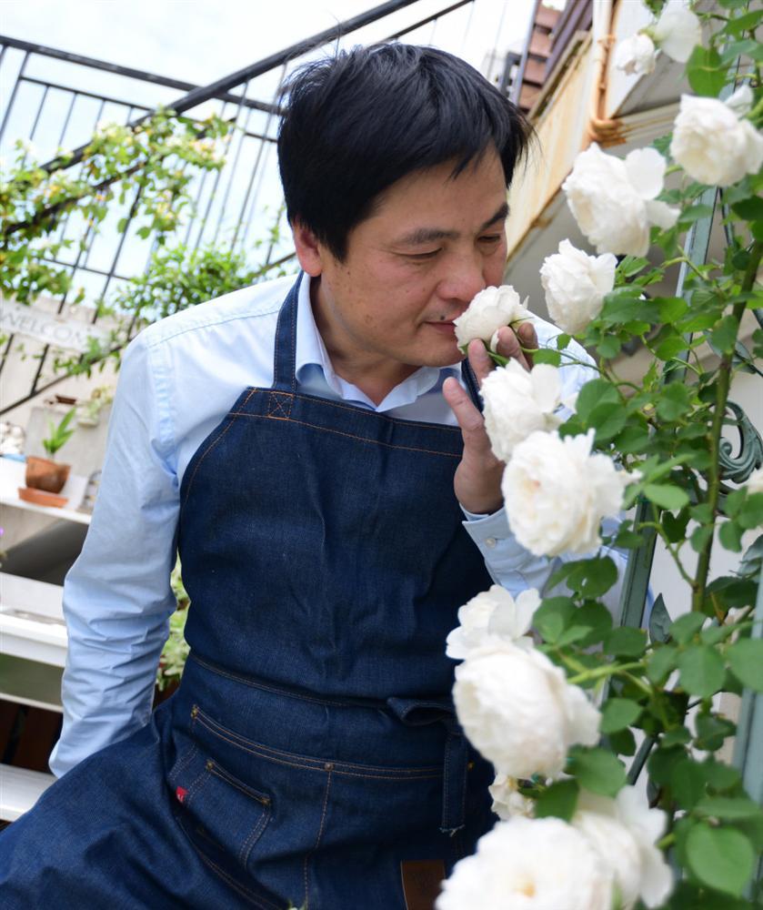 Người đàn ông sở hữu vườn hoa trên sân thượng đẹp như thiên đường ai ngắm cũng mê-5