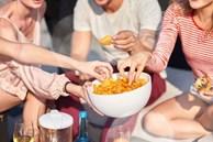 Ăn vặt có hại khủng khiếp cho sức khỏe ra sao?