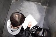 Bé trai bị kẹt trong thang máy suốt 20 phút nhưng vẫn bình tĩnh làm bài tập về nhà, đáng chú ý nhất là câu nói khi kêu cứu