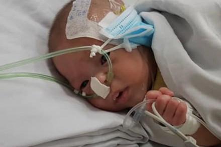TP.HCM: Người mẹ bỏ con trai tím tái lại bệnh viện sau 2 ngày sinh ra, 2 tháng không quay lại, bác sĩ liên lạc thì nói