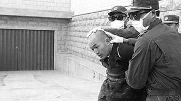 Tên sát nhân điên loạn nhất Trung Quốc: Từ tuổi thơ đầy biến động cho đến tâm lý vặn vẹo và cái chết thương tâm của 67 người vô tội-4