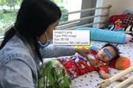 Bé 3 tuổi nguy kịch vì uống nhầm hóa chất