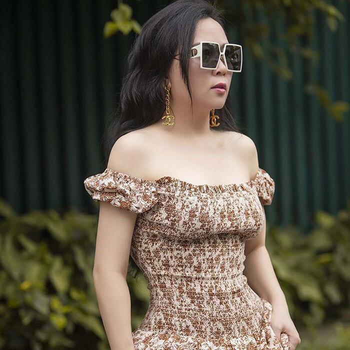 Ít ai như Phượng Chanel: Một kiểu đồ dù có bị chê vẫn mặc miệt mài-7