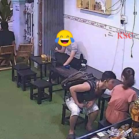 Ngang nhiên vào quán cà phê rồi thò tay sàm sỡ chị chủ, nam thanh niên bị phản đòn đến xanh mặt theo cách bất ngờ-2