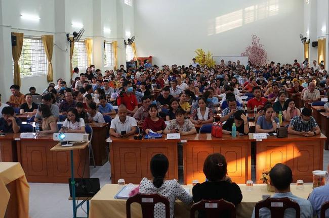 Vụ suất ăn bán trú ở trường Trần Thị Bưởi: Cuộc họp căng thẳng ngày 7/11 diễn ra suốt 5 tiếng liên tục, phụ huynh phản đối ban đại diện cha mẹ học sinh-3