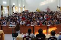 Vụ suất ăn bán trú ở trường Trần Thị Bưởi: Cuộc họp căng thẳng ngày 7/11 diễn ra suốt 5 tiếng liên tục, phụ huynh phản đối ban đại diện cha mẹ học sinh