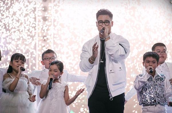 Đêm chung kết khó hiểu của Rap Việt-1