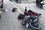 2 xe máy đấu đầu, 4 người thương vong-2