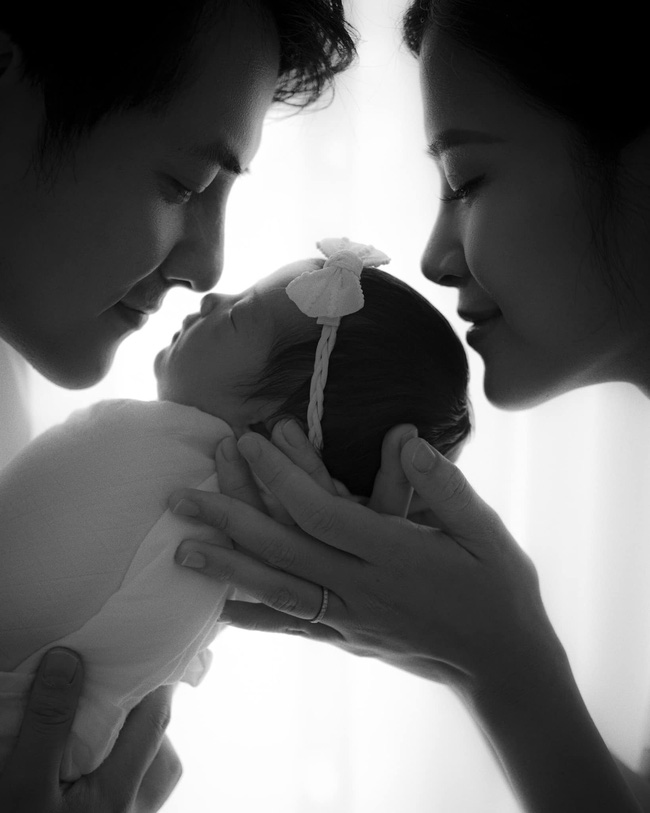 Sau nhiều đồn đoán, vợ chồng Đông Nhi đã chốt hạ tên khai sinh cho con gái, ý nghĩa của cái tên cực kỳ đặc biệt-1