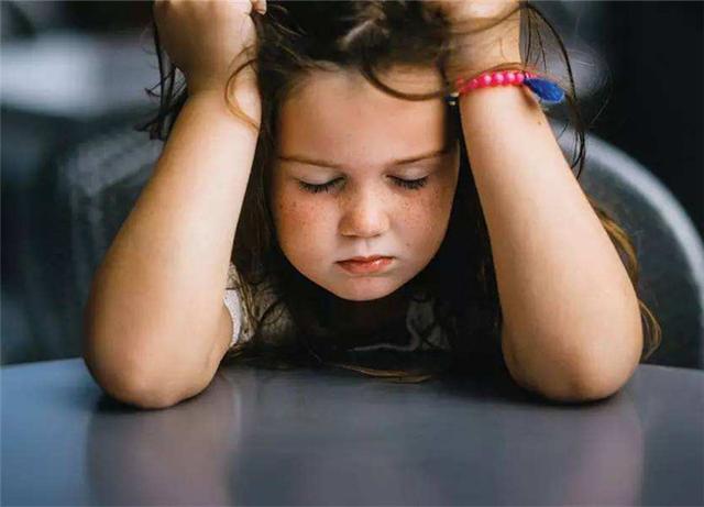 """Kiểu bạo lực gia đình"""" mới đang âm thầm ăn mòn tuổi thơ của trẻ, đáng sợ hơn cả việc bị bố mẹ đánh đập hay mắng nhiếc-5"""