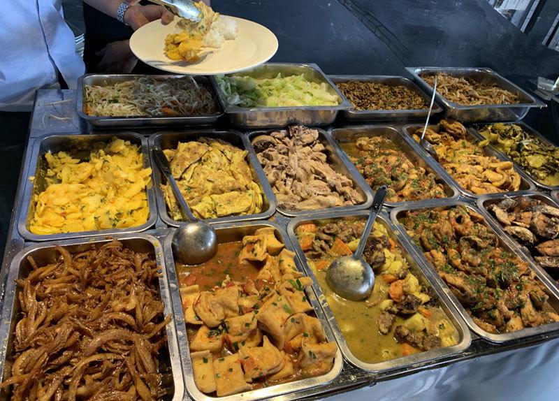 Thịt lợn hết sốt, hàng ăn cố thủ không chịu giảm giá-2