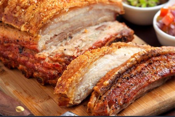 Thịt lợn hết sốt, hàng ăn cố thủ không chịu giảm giá-3