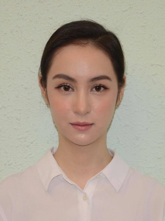 Thí sinh Hoa hậu Việt Nam 2020 gây ấn tượng với nhan sắc xinh đẹp, xem đến mặt mộc ai cũng khen ngợi-6