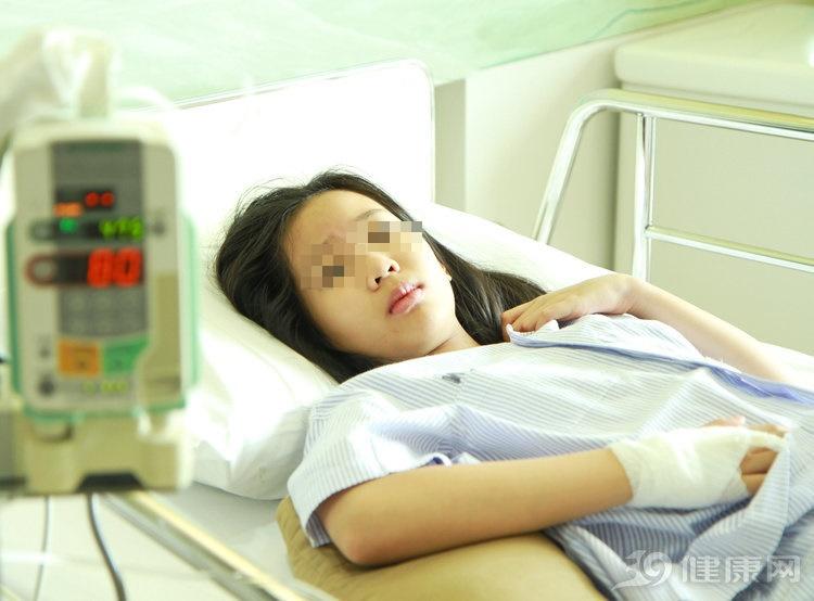 Cô gái mới 29 tuổi đã mắc bệnh ung thư gan, bác sĩ lắc đầu thở dài: Tối nào cũng ăn món này trước khi ngủ, sớm muộn bệnh cũng tìm tới-1