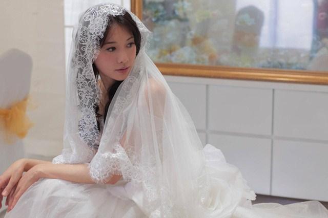 Đến giờ trao nhẫn thì chiếc nhẫn cưới trăm triệu không cánh mà bay, thủ phạm thật sự khiến cô vợ trẻ lập tức đưa ra quyết định đanh thép-1