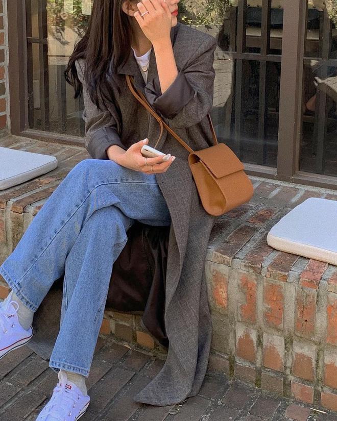 5 công thức lên đồ mùa lạnh xinh ngất ngây mà hội gái Hàn đang thi nhau diện-10