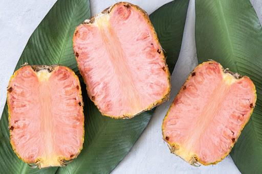 Dứa ruột hồng, thơm như kẹo bông giá cả triệu/quả-7