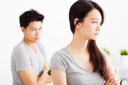 Bất chấp phản đối để cưới được vợ giàu, ông chồng nhận về lời xỉ vả đau đớn: