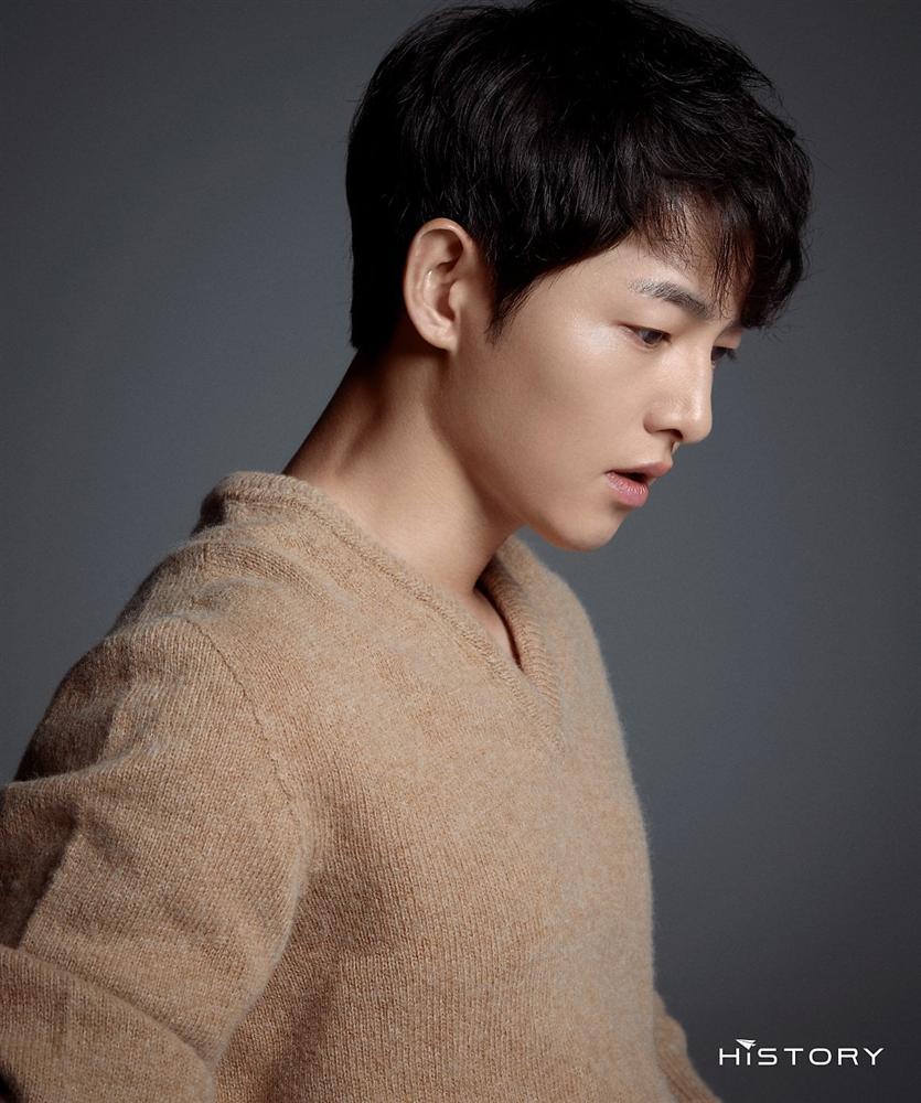 HOT: Hành động đáng ngờ của Song Joong Ki trong ngày lễ độc thân, lại còn viết tâm thư dằn mặt vợ cũ Song Hye Kyo?-1