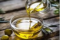 Gia đình 5 người bị tổn thương gan vì sử dụng loại dầu ăn chứa 'chất độc' nguy hiểm, BS cảnh báo khi dầu có dấu hiệu này thì phải ném bỏ ngay