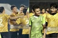 Dàn cầu thủ và sao Việt cực 'cháy' trong trận bóng đá vì miền Trung, khoảnh khắc Jack - Quang Hải chung khung hình gây sốt